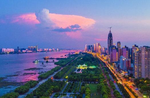 武汉市汉江江滩公园