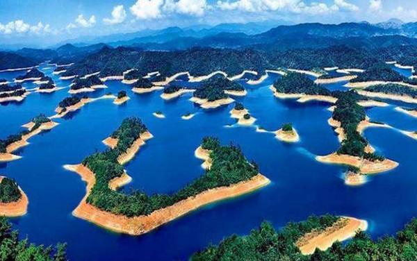 <b>中国最美的41个旅游景点,让您流连忘返</b>