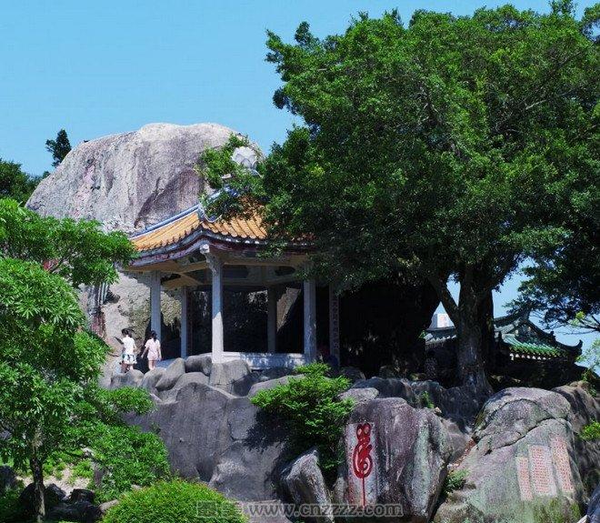 攻略支招 旅游攻略     汕头莲花峰风景区位于广东省汕头市潮阳区海门