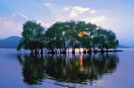 石家庄灵寿县横山湖露营公园美景